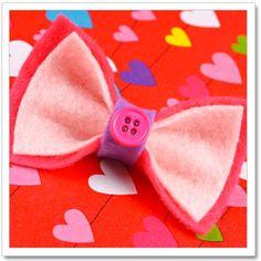 DIY Felt Bow for Valentine's Day #valentines #valentinesday #valentinescraft #craft #diy