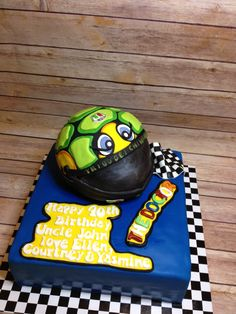 Buttercream Filling, Chocolate Buttercream, Valentino Rossi Helmet, Edible Printing, Vanilla Sponge, Chocolate Sponge, Themed Birthday Cakes, Birthday Love, The Originals