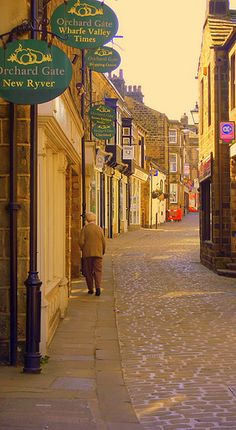 A Street In Otley - West Yorkshire, England
