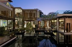 The Courtyard House / Hiren Patel Architects