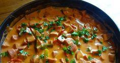 Billig, smakfull, enkel gryterett som du lager på under 20 minutter ! Ganske så sunn også - inneholder ca. 550 kcal per porsjon, tilbehø... Thai Red Curry, Stew, Food Porn, Food And Drink, Snacks, Ethnic Recipes, December, Ideas, Omelet