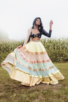Indian Lehenga, Indian Gowns, Indian Attire, Indian Wear, Lehenga Choli, Indian Diy, Dress Indian Style, Indian Fashion Dresses, Indian Designer Outfits