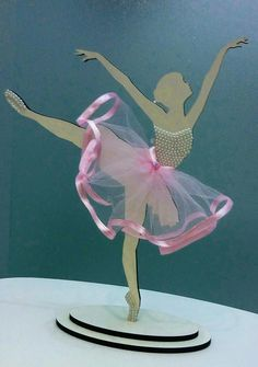 Móviles Ballerina Party Decorations, Ballerina Ornaments, Ballerina Birthday Parties, School Decorations, Ballerina Silhouette, Silhouette Cake, Girl Silhouette, Paper Flower Backdrop, Paper Flowers