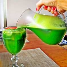 OtimaDieta - Dicas para Mulheres: Suco verde as melhores receitas para desinchar e e...