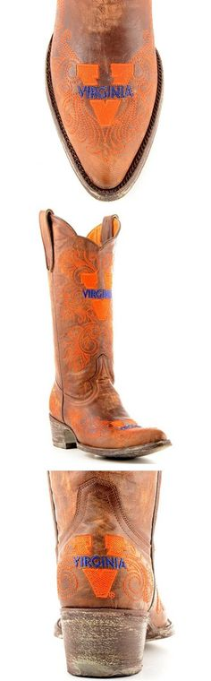 University of Virginia Cavaliers - distressed pointed toe cowboy / cowgirl boots with logo - be still my heart! Winter Fashion Casual, Casual Winter Outfits, Fall Outfits, Outfit Winter, Camo Shoes, Sock Shoes, Hunter Chelsea, Black Cowboys, Boating Outfit