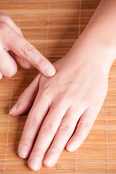 New to acupuncture and acupressure? Begin your journey by learning about these pressure points on your body that you never knew about. Pressure Points For Sleep, Body Pressure Points, Massage Pressure Points, Pressure Point Therapy, Hand Massage, Massage Tips, Massage Techniques, Massage Therapy, Acupressure Massage
