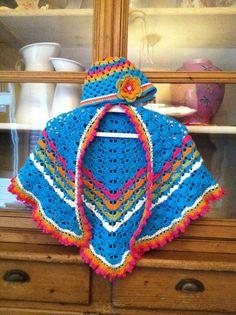 South Bay Shawlette, scarf, crochet, omslagdoek, haken, Beanie, flower, bloem