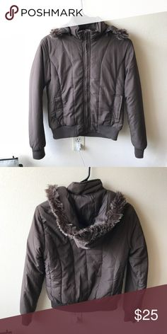 Brown puffer jacket Brown puffer jacket Excellent condition, only wore 1/2 times It suitable for any style! I also have white color, come to my closet and see more! Size M but fit S better Jackets & Coats Puffers