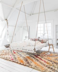 Insomnia doesn't exist here. #hangingbed #morrocanrug #texture