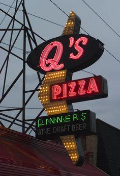 Neonlicht | Forgotten Chicago | History, Architecture, and Infrastructure