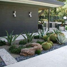 Image result for decoracion de exteriores con suculentas