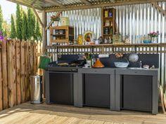 Idéale pour profiter de sa terrasse et recevoir ses invités dans le jardin, la cuisine d'extérieur est aussi bien équipée qu'une cuisine traditionnelle. La preuve en images avec ses 26 exemples ... #maisonAPart