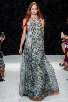 Vera Wang Spring 2015 Ready-to-Wear Fashion Show: Complete Collection - Style.com