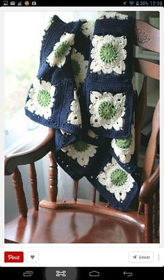 Crochet Granny Square Patterns Beautiful blanket made by luna using the Willow square pattern by Jan Eaton from 200 Crochet Blocks Crochet Motifs, Granny Square Crochet Pattern, Crochet Blocks, Crochet Squares, Crochet Granny, Filet Crochet, Crochet Stitches, Crochet Patterns, Granny Squares