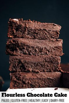 Paleo and dairy free fudgey chocolate cake with a thick layer of chocolate frosting. This easy chocolate cake will win hearts over and make you go back for seconds. Chocolate Cake Recipe Easy, Flourless Chocolate Cakes, Healthy Chocolate, Chocolate Frosting, Homemade Chocolate, Chocolate Desserts, Chocolate Chips, Paleo Dessert, Dessert Recipes