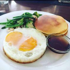 Fridays be like this! The All American breakfast 😍 Elma's At Goodearth, Meherchand Market, Lodhi Road, The Hauz Khas Village