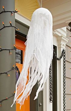 The gauzy fabric of this ghostly figure blowing in a breeze will put everyone in a Halloween mood. --Lowe's Creative Ideas Halloween Porch, Halloween Ghosts, Fall Halloween, Halloween Decorations, Outdoor Decorations, Lowes Creative, Creative Ideas, Cheesecloth Ghost, The Ghost Inside