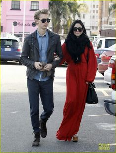 Austin Bulter and Vanessa Hudgens