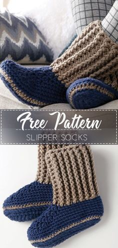 Slipper Socks Free Crochet Pattern These super cozy Ugg style crochet slippers would be perfect for winter and would make a great Christmas gift! Crochet Baby Socks, Crochet Slipper Boots, Slipper Socks, Crochet Clothes, Knitted Slippers, Knit Slippers Pattern, Crochet Simple, Crochet Diy, Crochet Ideas