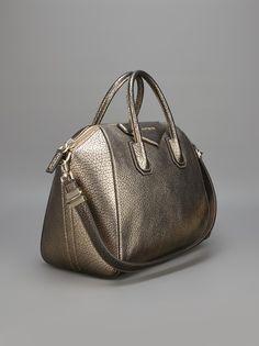 cda13b679dee GIVENCHY - Antigona tote Givenchy Antigona