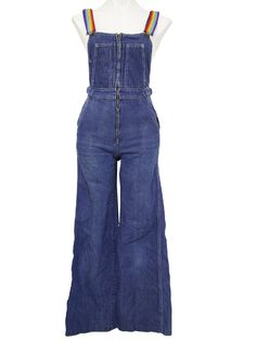 We all got overalls in grade 7 - and we were sooooo cool! Seventies Fashion, 70s Fashion, Vintage Fashion, Fashion Outfits, Vintage Style, Fashion Ideas, Overalls Women, Denim Overalls, Vintage Dresses