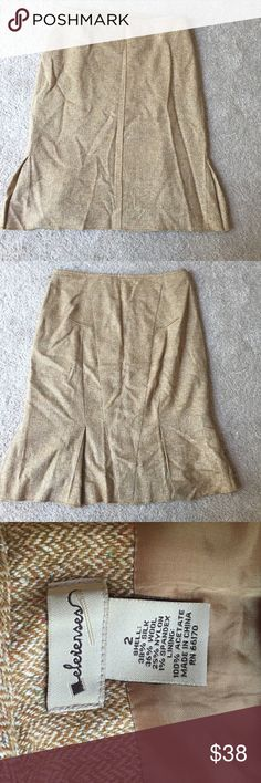 Vintage Anthropologie skirt Super cute and classic Anthropologie skirt from 15 years ago. Used very lightly and has been in storage. High quality piece Anthropologie Skirts Pencil