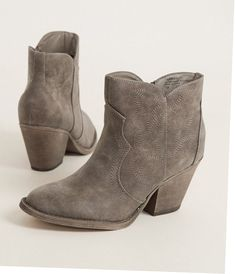 5ba4850dce2 Whether you are searching for western boots, ankle boots, or tall boots,  our women's boots come in the latest styles. Must-have women's boots can be  found ...