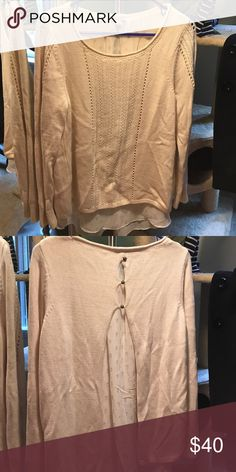Lucky gold and cream open back sweater EUC only worn once! Beautiful cream sweater with sheer underlay, open back with 3 button detail. The sweater has flecks of gold throughout to make it subtly shimmer. Lucky Brand Sweaters