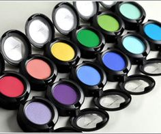 MAC ... I wish I knew how to use these properly! My makeup skills aren't really skills at all. LOL