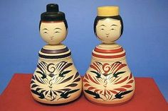 A pair of kokeshi for auspicious situation