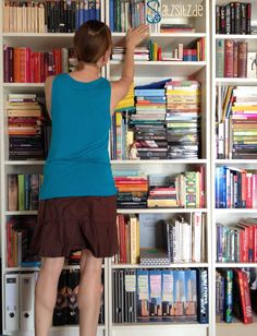Me, my shelf and I. das A&O. Gemütlich. #satzsitz #bookshelf #bücherregal #ikea