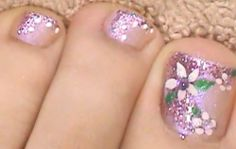 How to Paint a Floral Toenail Design. Floral nail art is very easy to do on your toes and so cute. Put a base coat in your nail. Bling Nails, Diy Nails, Palm Tree Nail Art, Painted Toes, Floral Nail Art, Feet Nails, Nail Candy, Manicure E Pedicure, Toe Nail Designs