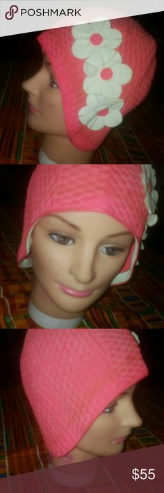 NEW!!! Vintage Bathing Cap in PERFECT condition! Perfect pin up girl vintage bathing cap with floral detail Accessories