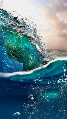 Looking for for inspiration for background?Check this out for very best background ideas. These unique background images will brighten your day. Sea And Ocean, Ocean Beach, Ocean Waves, Water Waves, No Wave, Beautiful Places, Beautiful Pictures, Beautiful Gorgeous, Beautiful Scenery