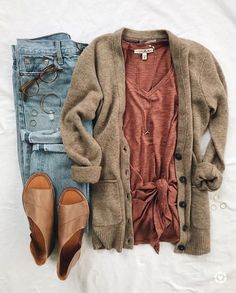 Always looking gorgeous can get expensive check out all these awesome discounts Source by charliemathieu fall outfits casual Trend Fashion, Look Fashion, Fall Fashion 2018, Fashion Flatlay, Fashion Ideas, Ladies Fashion, Fashion Lookbook, Women's Fall Fashion, Cheap Fashion