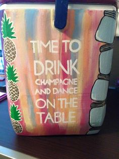 Pineapple edge Fraternity Coolers, Frat Coolers, Cooler Painting, Diy Painting, Shot Book, Diy Cooler, Diy And Crafts, Arts And Crafts, Senior Gifts