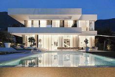 Modernas e com muito vidro! Vim compartilhar com vocês as casas que mais acho lindas na arquitetura moderna!! São minhas preferidas...
