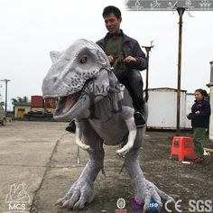 This realistic dinosaur rider on stilts costume requires the performer to wear a cm) stilt. Halloween Costume On Stilts, Cool Costumes, Cosplay Costumes, Raptor Dinosaur, Dinosaur Toys, Dinosaurs, Stilt Costume, Halloween Creatures, Character Concept