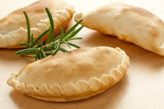 Chicken Pot Pie Turnovers - switch to onion & chive cream cheese Tapenade, Anna Olson, Empanadas Recipe, What To Cook, Original Recipe, Slow Cooker Recipes, Pop Tarts, Breakfast Recipes, Yummy Food
