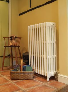 The traditional cast iron radiator 6 column looks lovely in the colour buttermilk. Get your traditional cast iron radiator from ukaa.