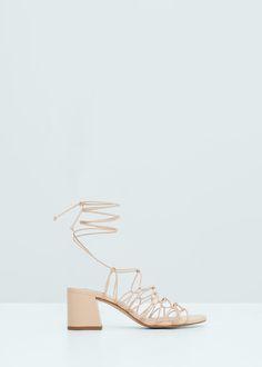 Sandalen met bandjes en veter   MANGO