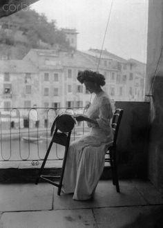 Woman Making Lace on a Balcony - 1932 Portofino   #TuscanyAgriturismoGiratola