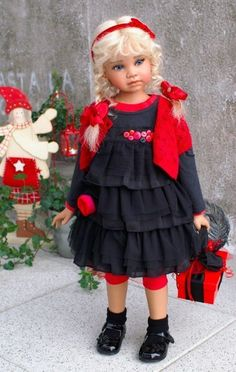 Noela is a unique doll (OOAK) from the famous artist Angela Sutter