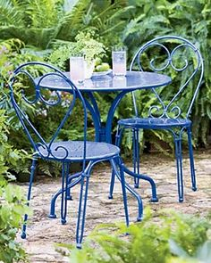 Love the blue of this Bistro Set.