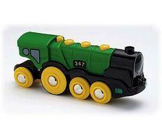 Brio Groene locomotief  Brio Groene Gustav. Grote locomotief op batterijen met twee koplampen en drukknoppen om vooruit en achteruit te rijden en om motorgeluiden te maken. Werkt op 2 x AAA 1,5 V-batterijen (niet inbegrepen).  http://www.brio-trein.nl/brio-treinen-groene-locomotief.html