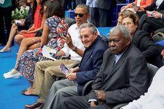 #ObamaFarewell: Obama-Raul-Cuba-Baseball.jpg