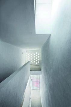 courtyard social houses in es mercadal - menorca spain - ferrer forés - photo by jose hevia