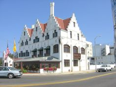 Over the past century, the Knife & Fork Inn has led a long and colorful life, making it one of the oldest and most historically charged establishments in Atlantic City. Standing where Atlantic, Pacific and Albany Avenues converge, the Knife & Fork was originally established in 1912 by then Atlantic City Mayor William Riddle, the Commodore Louis Kuehnle, and their cronies as an exclusive men's drinking and dining club.