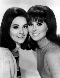 "Marlo Thomas and her sister, Terre.  She appeared in an episode of ""That Girl"" along with their father, Danny."