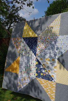 Giant star quilt made using Jeni Baker's tutorial. Giant star with spiral quilting JK Big Block Quilts, Star Quilt Blocks, Star Quilt Patterns, Cute Quilts, Star Quilts, Scrappy Quilts, Easy Quilts, Quilting Ideas, Fat Quarter Quilt Patterns